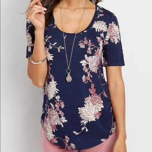 MAURICES 24/7 scoop neck navy blue floral tee